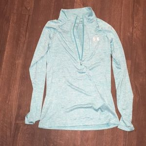 Under Armour XS loose pullover shirt, heat gear